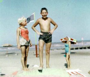 Kenny, Judy & Mom in Galveston (1957)